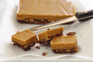 PaleoNewbie-No-Cook-Nut-Butter-Fudge-633x425