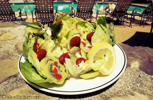Butter_Lettuce_Kiwi_Raspberry_Vinaigrette_Recipe_OaksSpa