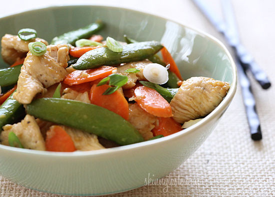 Spring-Stir-Fried-Chicken-wth-Sugar-Snap-Peas-and-Carrots-550x395