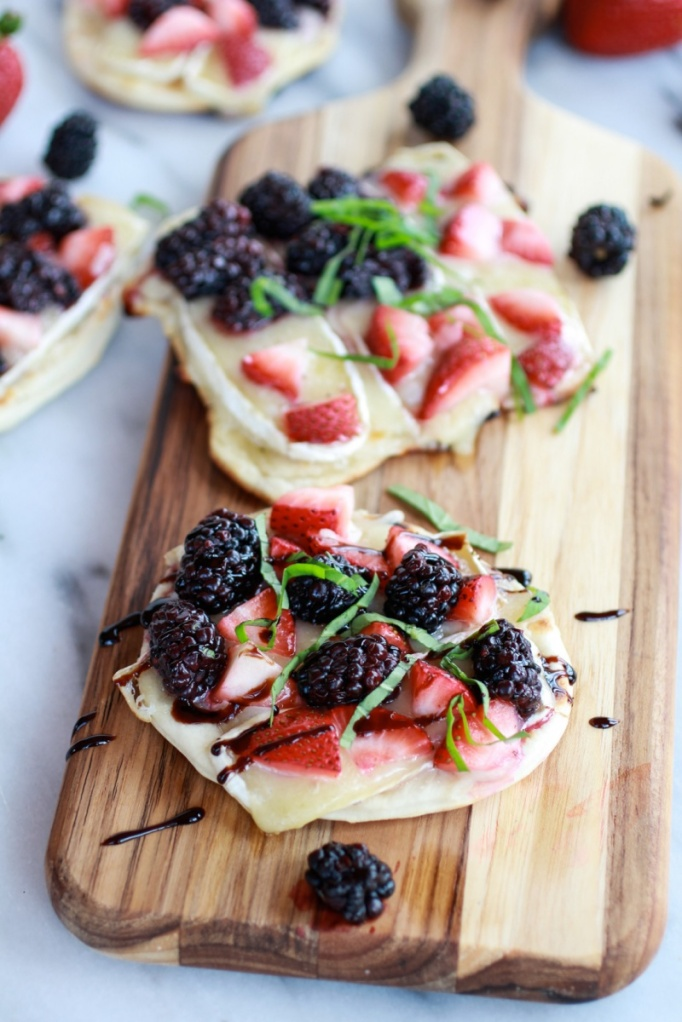 Grilled-Blackberry-Strawberry-Basil-and-Brie-Pizza-Crisp-with-Honey-Balsamic-Glaze-6