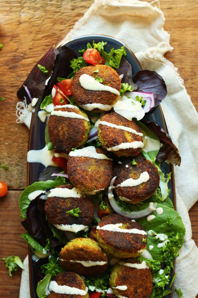 PERFECT-10-ingredient-Classic-Falafels-Crispy-tender-SO-flavorful-vegan-glutenfree-falafel-recipe-mediterranean