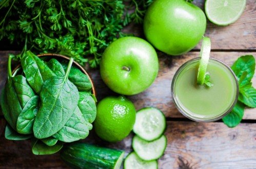 green-smoothie1-700x465